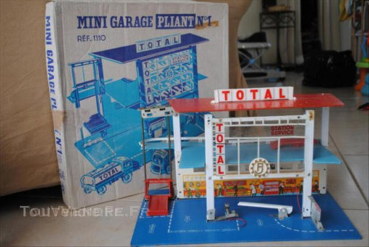 ancien garage total fj france jouets en boite noyellette 62123. Black Bedroom Furniture Sets. Home Design Ideas
