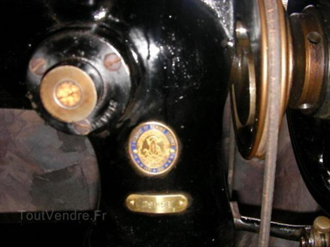 Ancienne machine à coudre singer ( type canon n° 29k58) 1