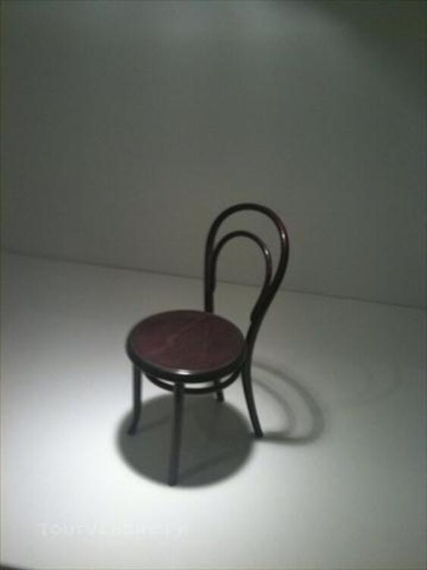 Chaise Thonet miniature neuve