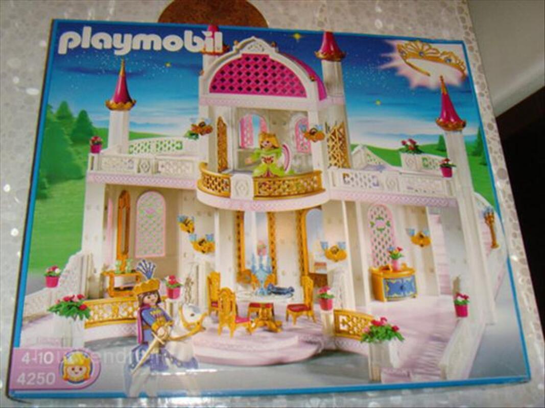 Chateau princesse playmobil neuf !!
