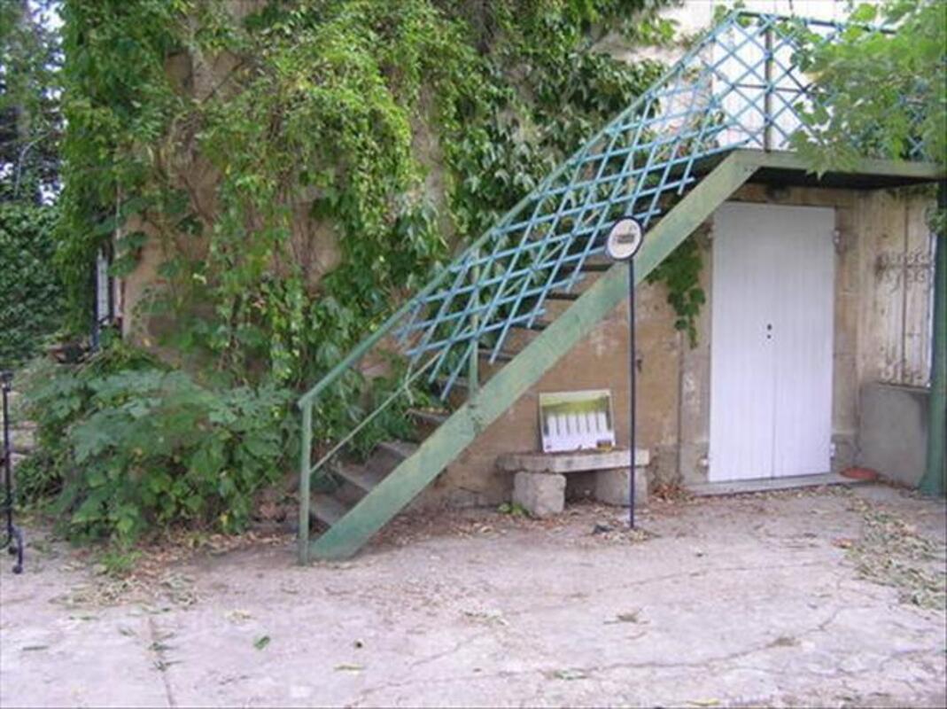 Escalier métal extérieur