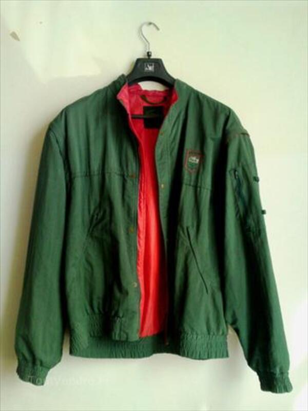 http://www.toutvendre.fr/Lacoste-veste-coupe-vent-pluie-Vintage-1988-Taille-L_56098495L.jpg