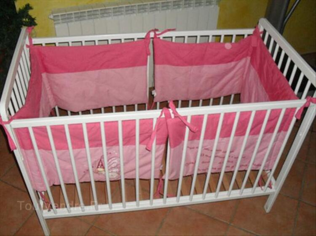 Lit bébé bois+ Tour de lit et couverture (Aubert)