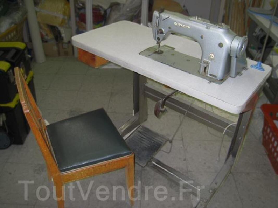 Machine à coudre industrielle - piqueuse plate DURKOPP