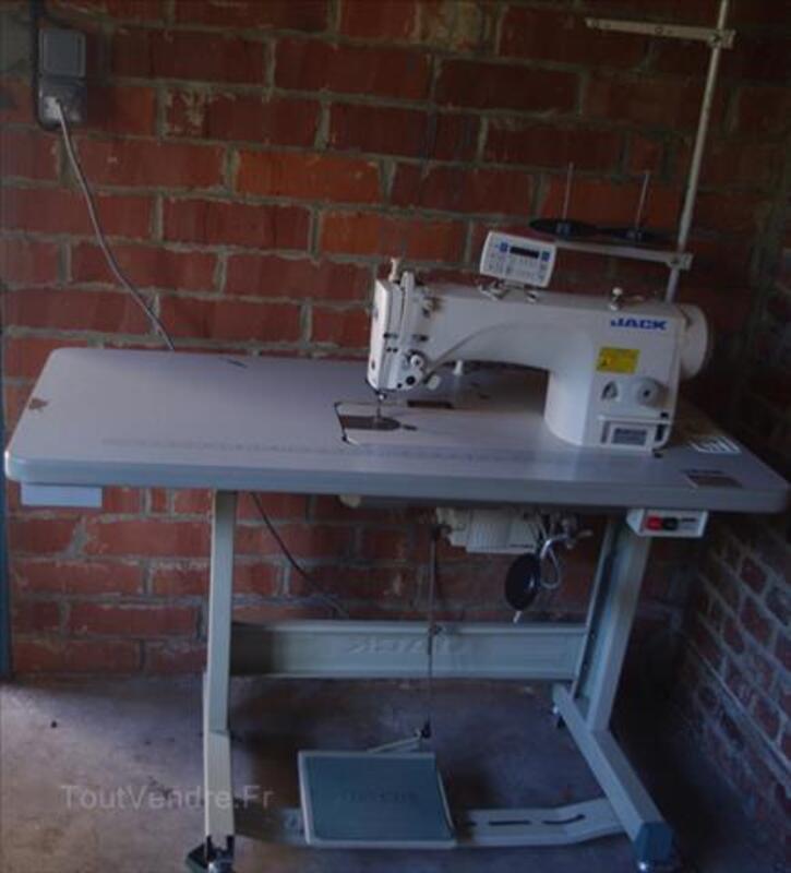 Machine à coudre - piqueuse plate Jack