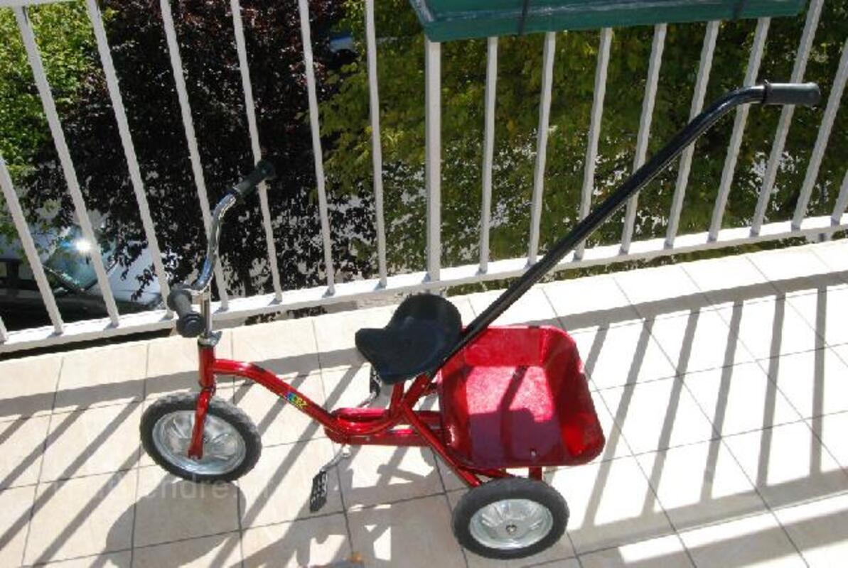 Magnifique Tricycle JUDEZ Rouge avec benne basculante