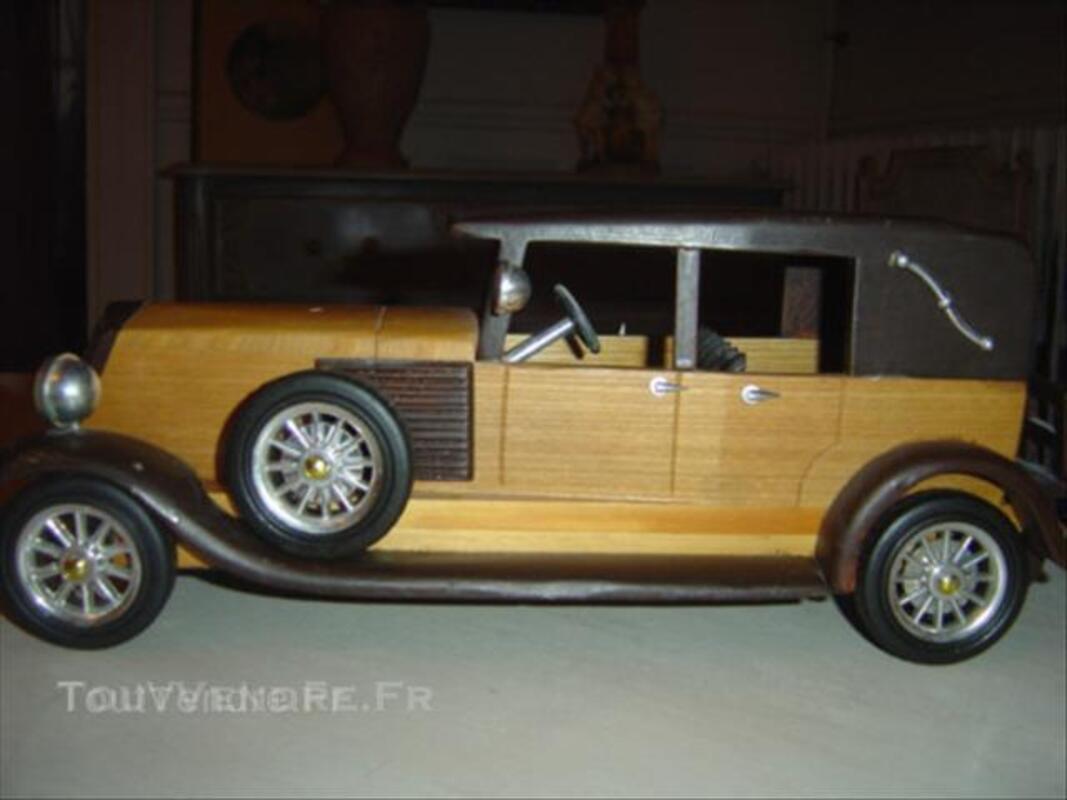 Maquette voiture collection ancienne en bois renault 1