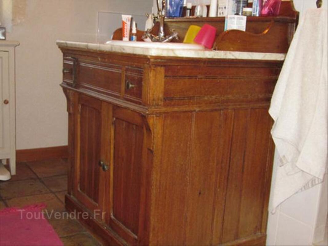 Salle de bain de luxe en marbre meilleures id es for Meuble ancien avec marbre