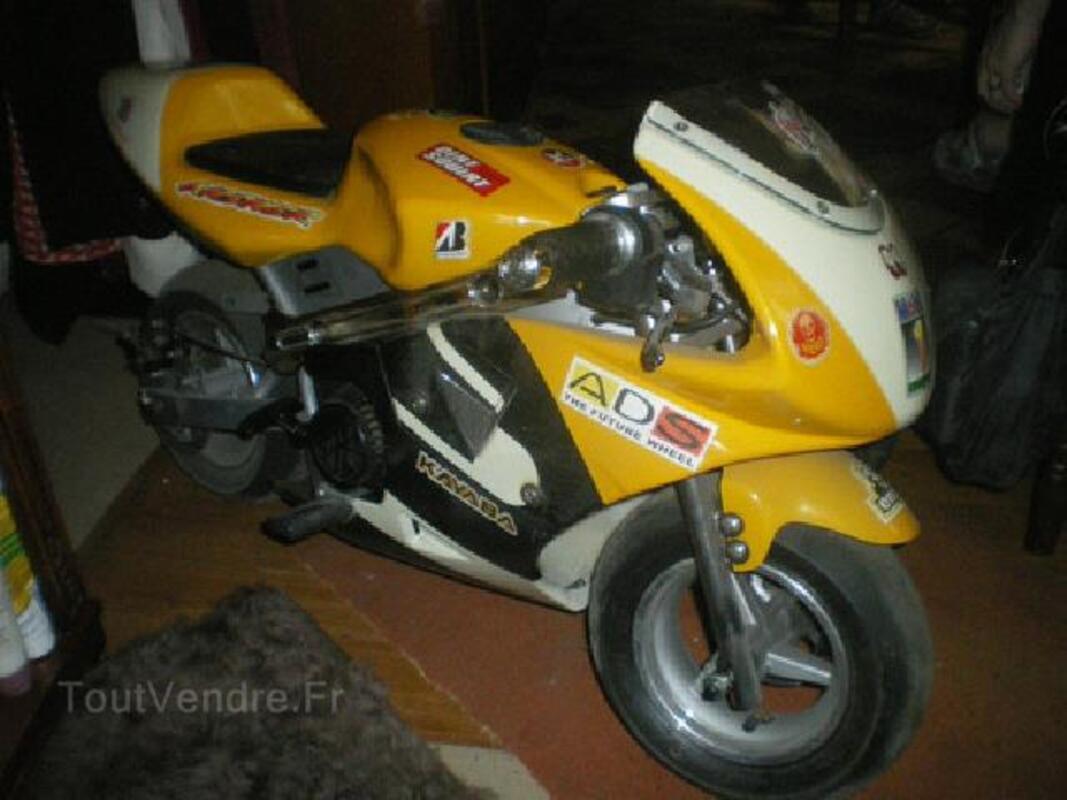 Petite moto piwi moteur essence