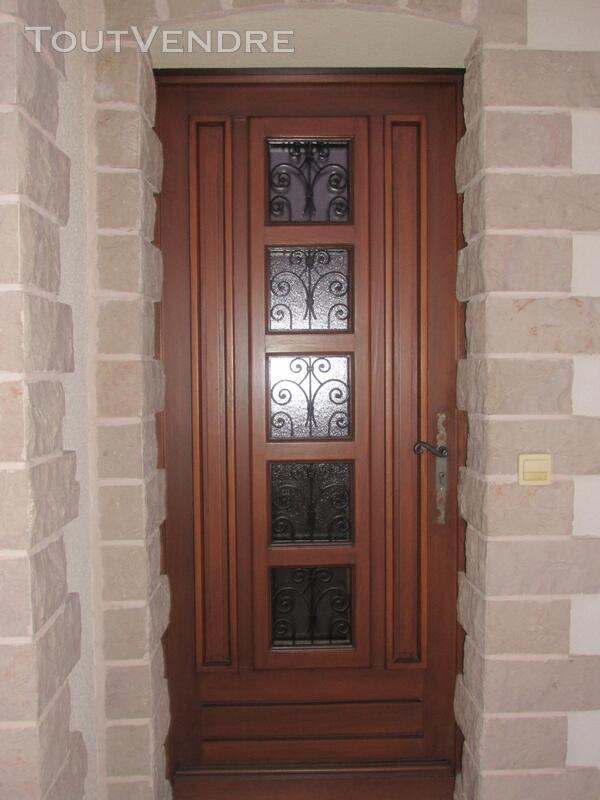 Porte d 'entrée bois