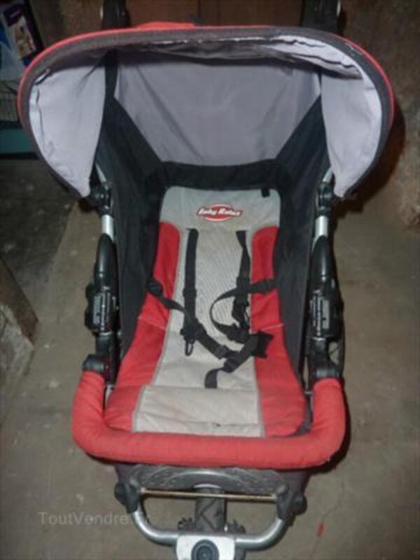 Poussette Baby relax rouge et gris + cosy auto 2