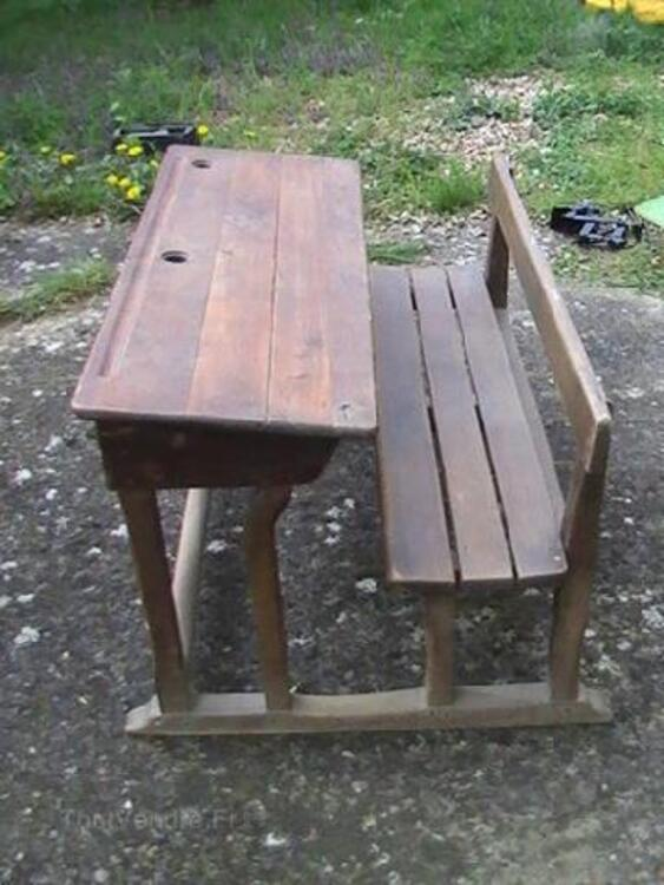 Pupitre écolier ancien en bois