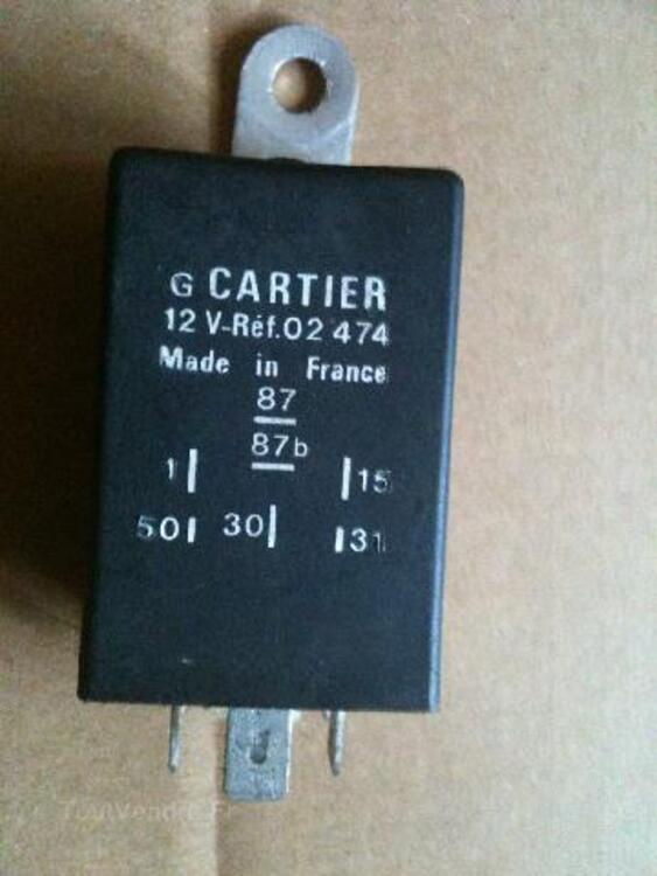 Pas d'étincelle et pompe qui tourne même a l'arrêt  RELAIS-TACHYMETRIQUE-DE-205-GTI_91565038L