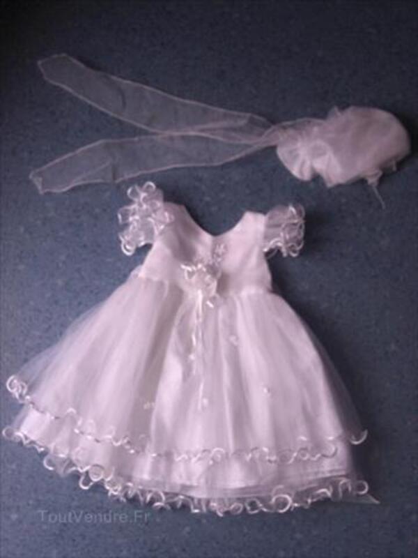 Robe de baptême blanche + bonnet, fille 6 mois