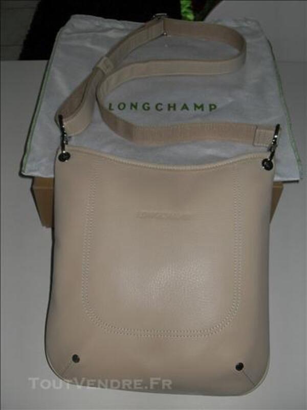 Sac Longchamps (Besace) en cuir beige neuf