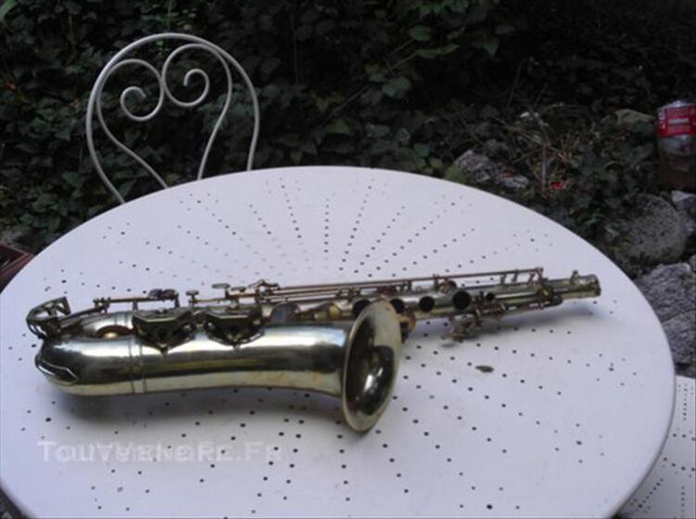 Saxophone ancien DOLNET
