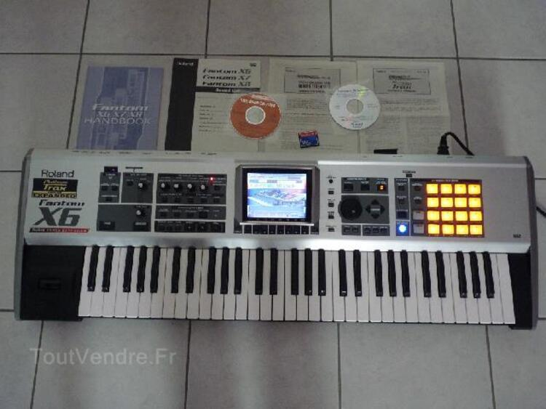 Synthétiseur ROLAND FANTOM X6