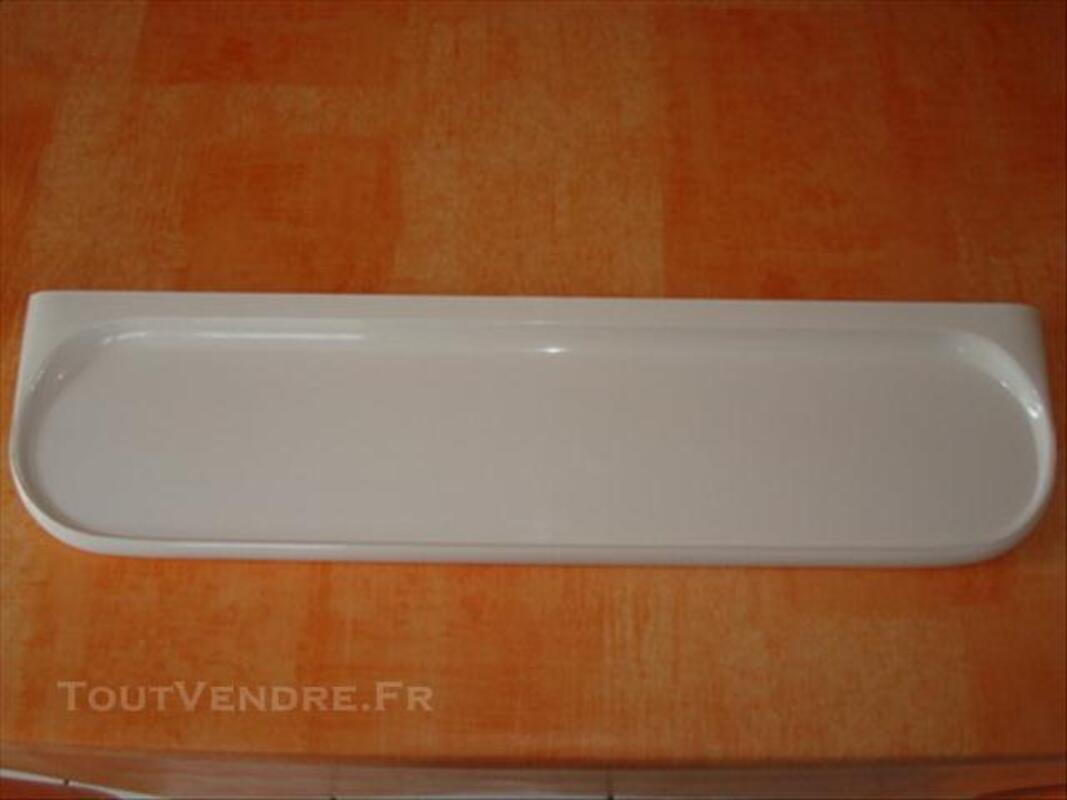 Tablette de salle de bain en plastique blanc Saint-Jean-de-Vaux 71640