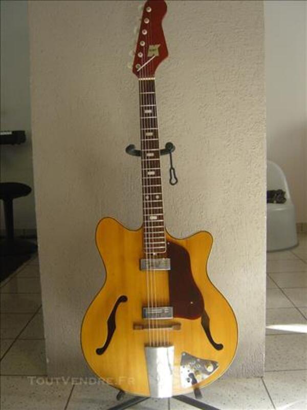 Vintage Guitare Kent Teisco Modèle Americana