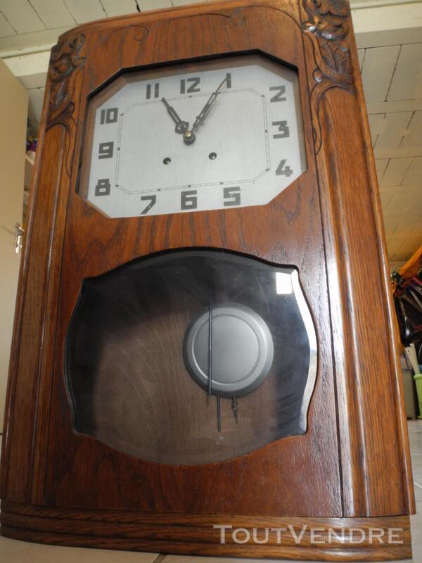 horloge murale ancienne en bois massif avec pendule saumur 49400