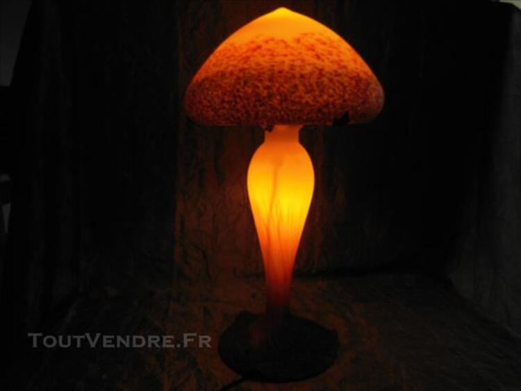 Lampe Champignon Pate De Verre Contemporaine Salignac Sur Charente 17800