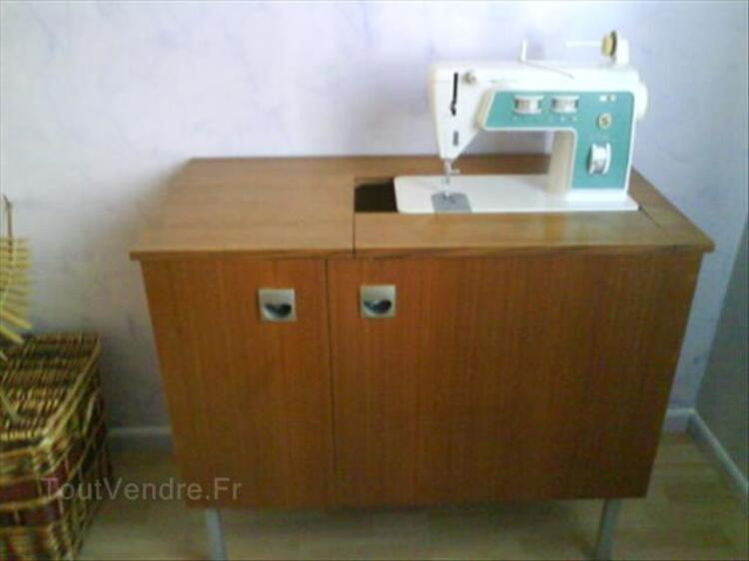 Machine A Coudre Singer Avec Son Meuble De Rangement Chassy