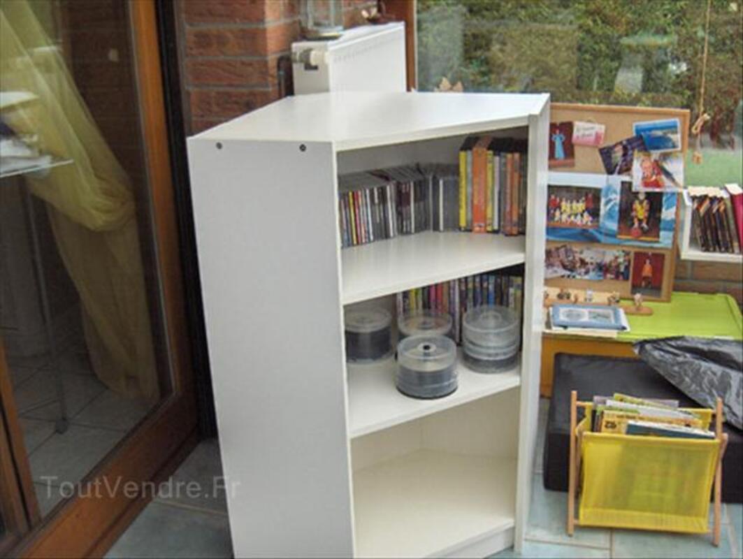 meuble d 39 angle blanc et etagere ikea saint zacharie 83640 ameublement. Black Bedroom Furniture Sets. Home Design Ideas