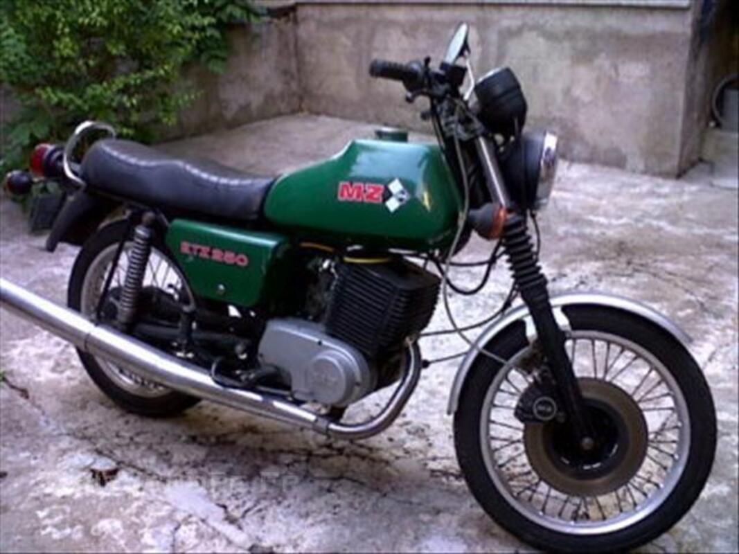250 etz quel prix?  Moto-mz-etz-250cm3_43806633L