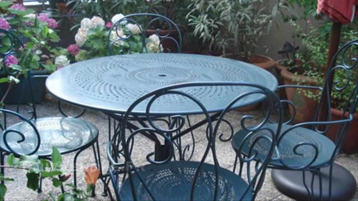 Salon De Jardin , Table Ronde, 4 Fauteuils Fer Forgé ...