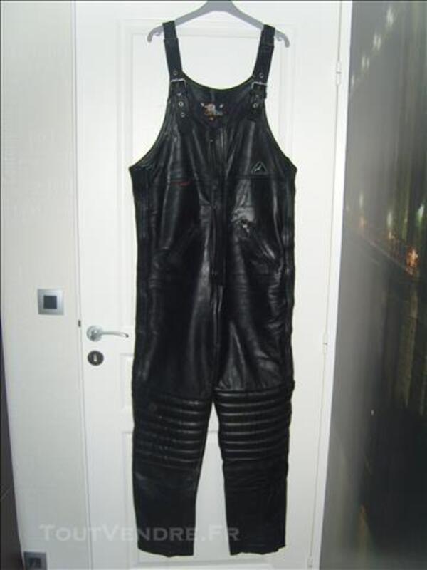 salopette moto combinaison pantalon en cuir sannois 95110 v tements. Black Bedroom Furniture Sets. Home Design Ideas
