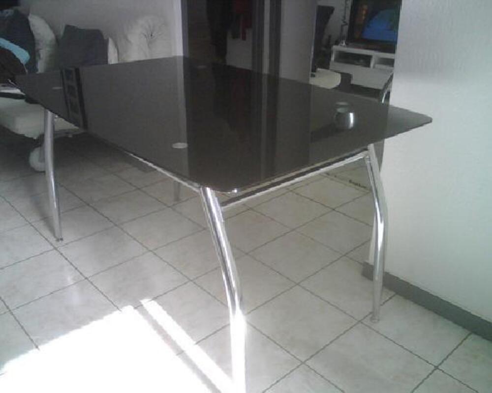 Bureau En Verre Fly : Table ou bureau de chez fly ref python verre noir antoingt