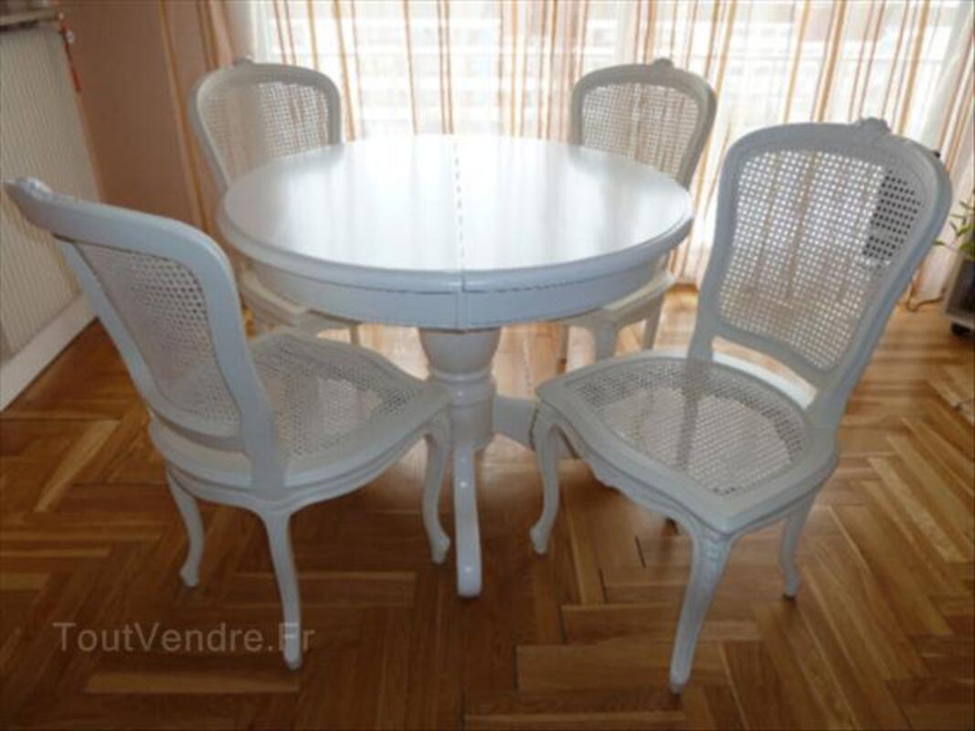 table ronde 4 chaises louis xv bar sur seine 10110 ameublement. Black Bedroom Furniture Sets. Home Design Ideas
